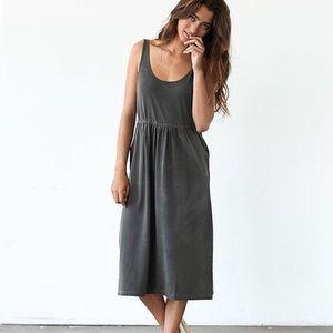 Known Supply • NWT Finch Grey Pocket Dress